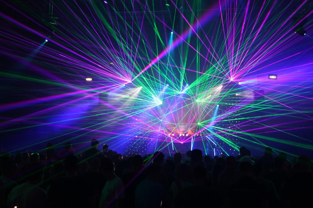 15-Lasershow
